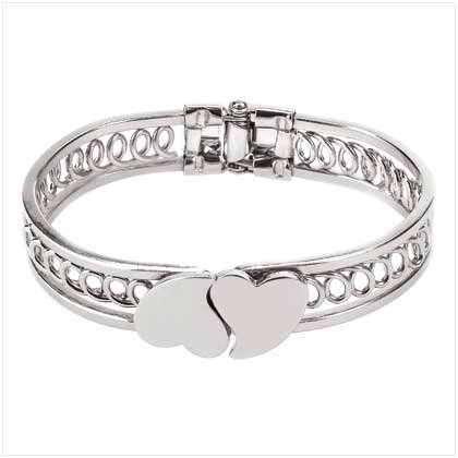 DOPPLE HEART BANGLE BRACELET