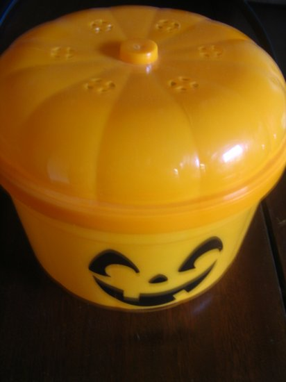 Plastic Pumpkin Bucket With Lid
