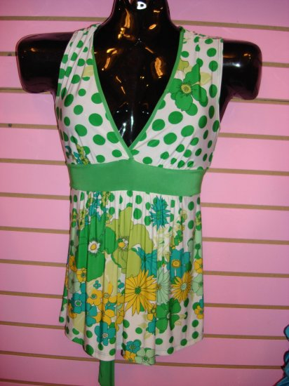 CUTE GRENN FLORAL MUTI PRINT TOP SIZE SMALL 2- 4