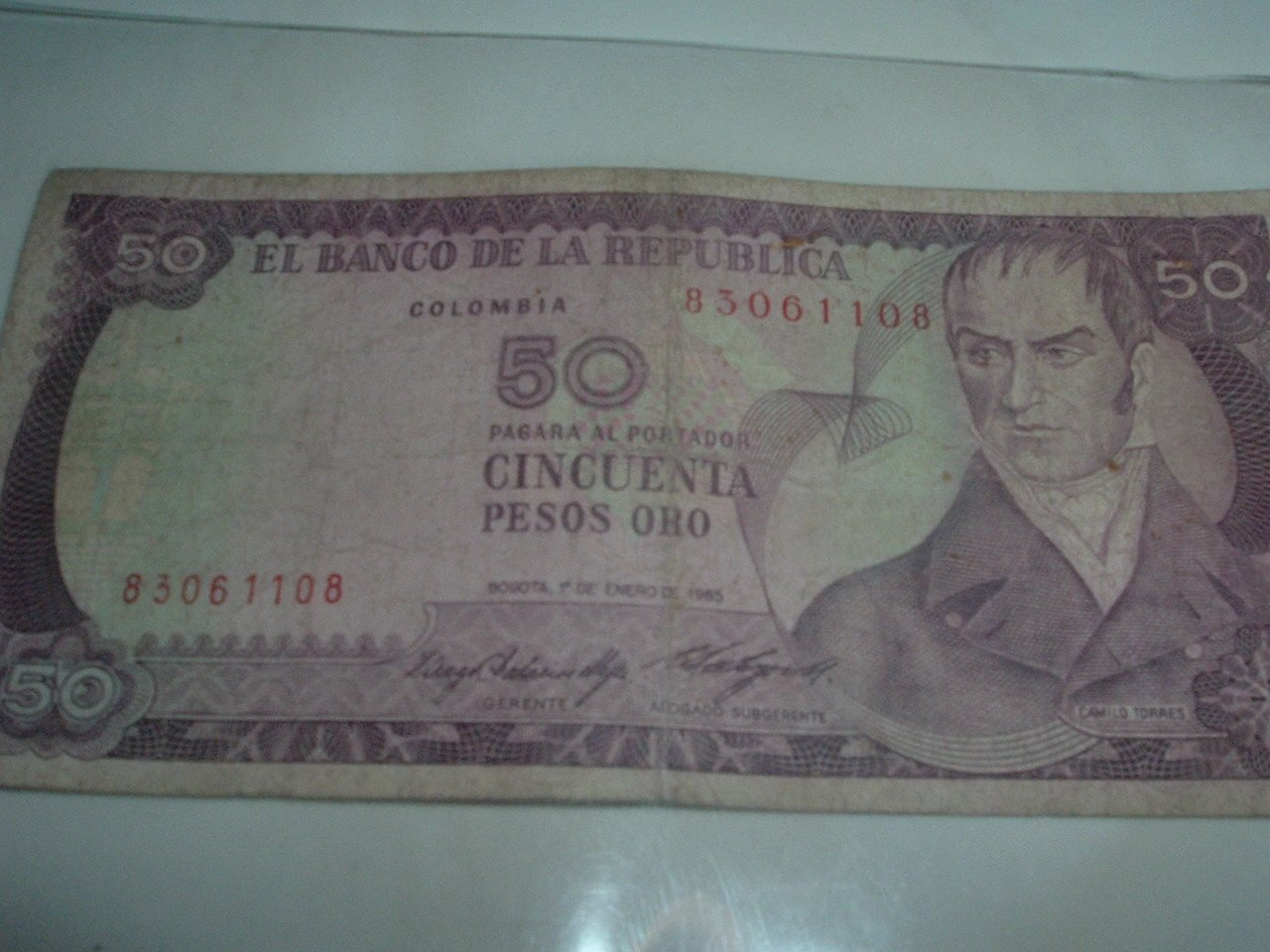Colombian GOLD 50 Pesos Paper Currency