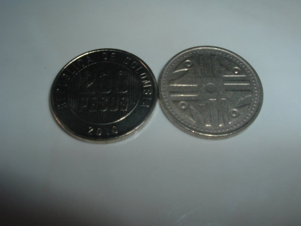 Colombian 200 Pesos Coin