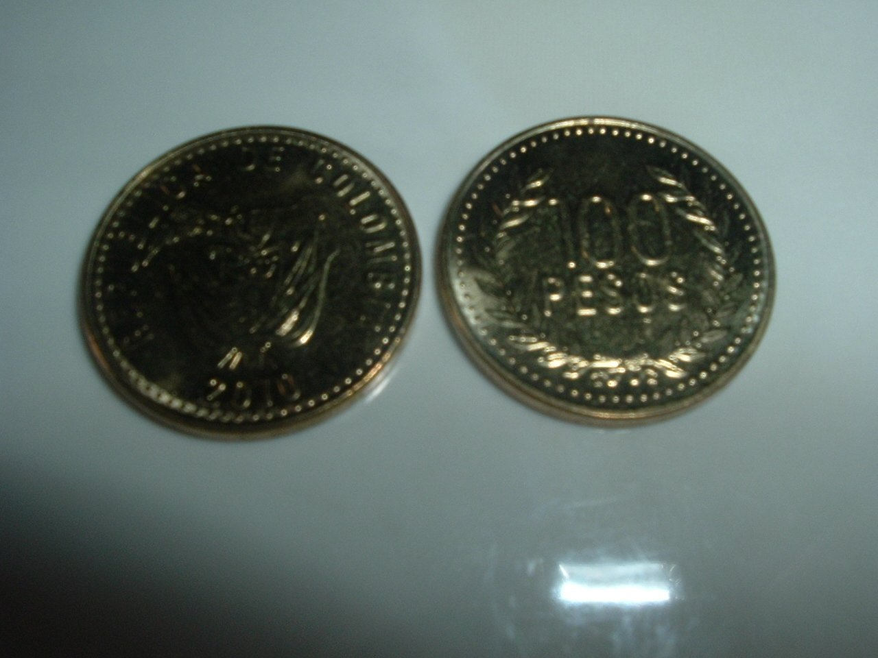 Colombian 100 Pesos Coin