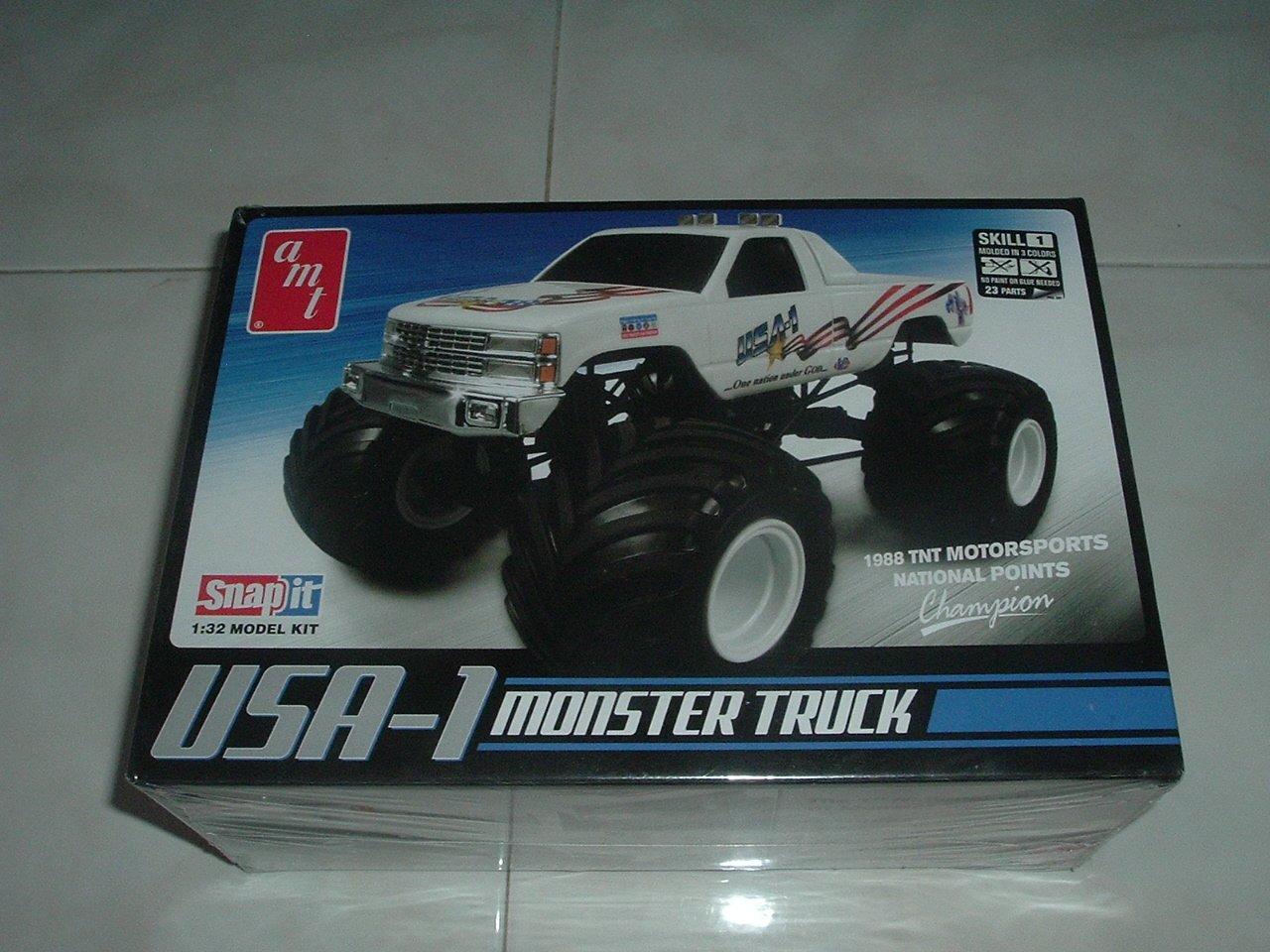 USA-1 Monster Truck  Model Kit