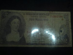 Colombian 2 Pesos Gold Paper Money
