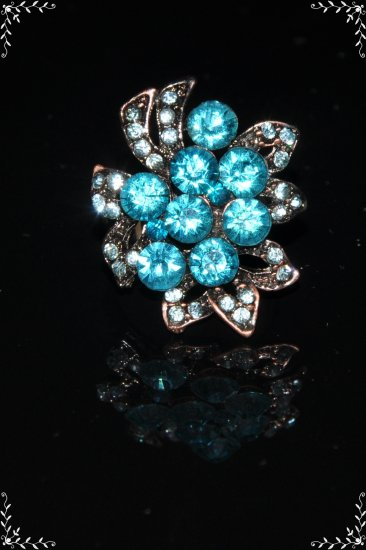 Maple leaves blue crystal ring R1243
