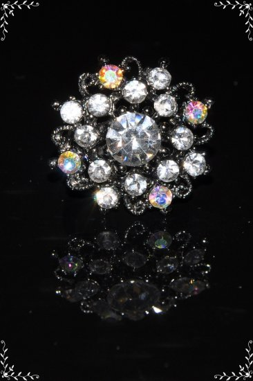 Crystal flower ring in clear color R1248
