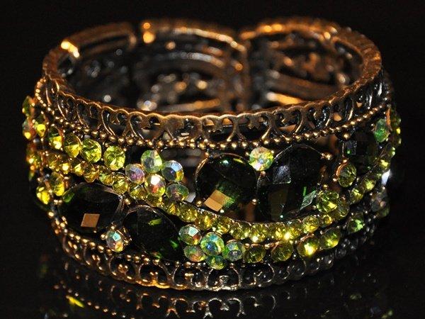 Two tone green crystal bangle B1003