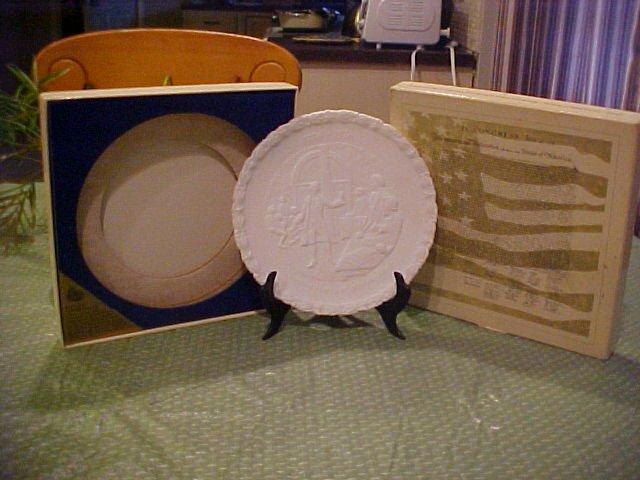 Fenton Bicentennial Collectors Plate - Milk White