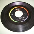 Gene Chandler - Duke Of Earl / Kissin In The Kitchen - VEE JAY 416 Doo Wop  45 rpm Record