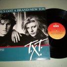 "T.X.T. - Girl's Got A Brand New Key - CBS 12.6073 - 12"" Pop / Rock 45 rpm"