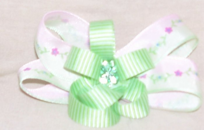 589-08: Girly green bow
