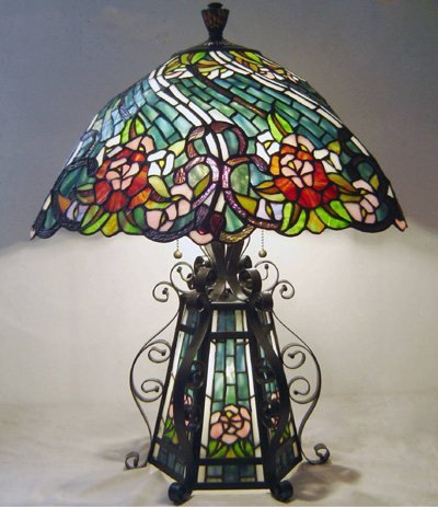 Flowers Design Base Lighted Tiffany Styled Table Lamp