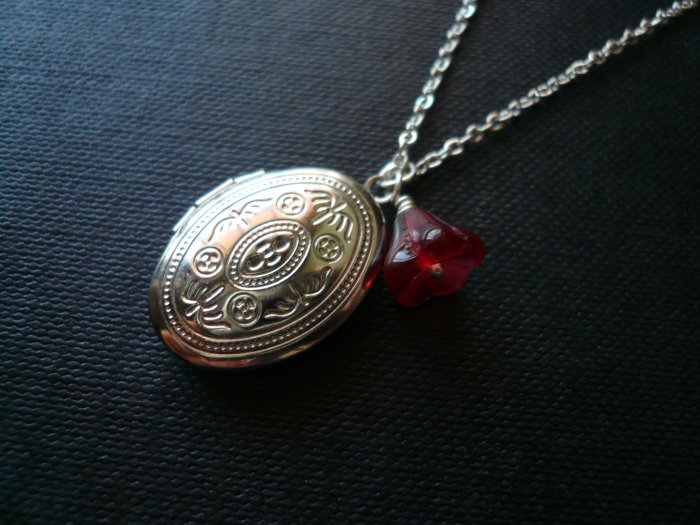 Cranberry Bell Flower Oval Locket Necklace