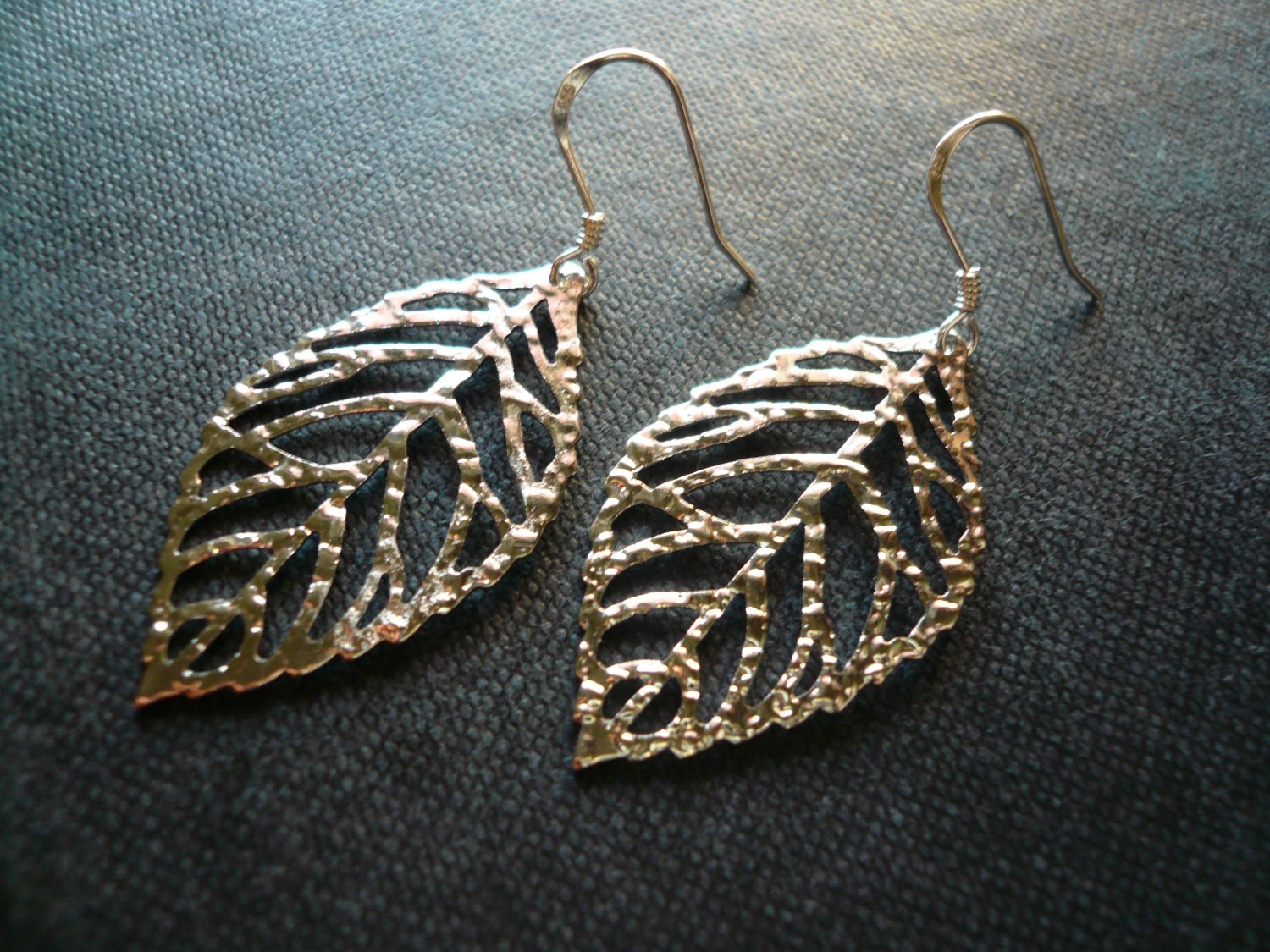 Filigree Foliage Leaf Earrings