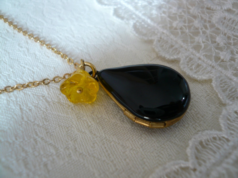 Black Teardrop Yellow Flower Locket Necklace