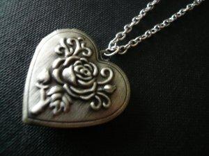 ROSES Floral Heart Locket Necklace
