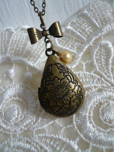 SUNFLOWER Teardrop Floral Locket Necklace