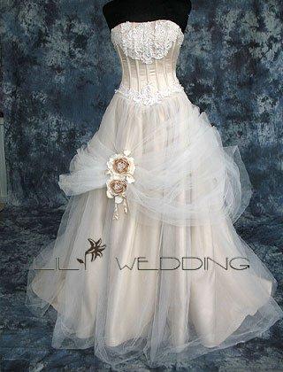 Ball Gown Basque Waist Wedding Dress - Style LWD0109