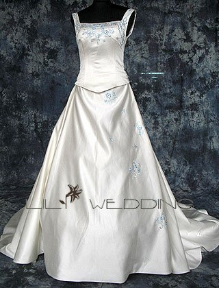Scoop Neckline Wedding Dress - Style LWD0145