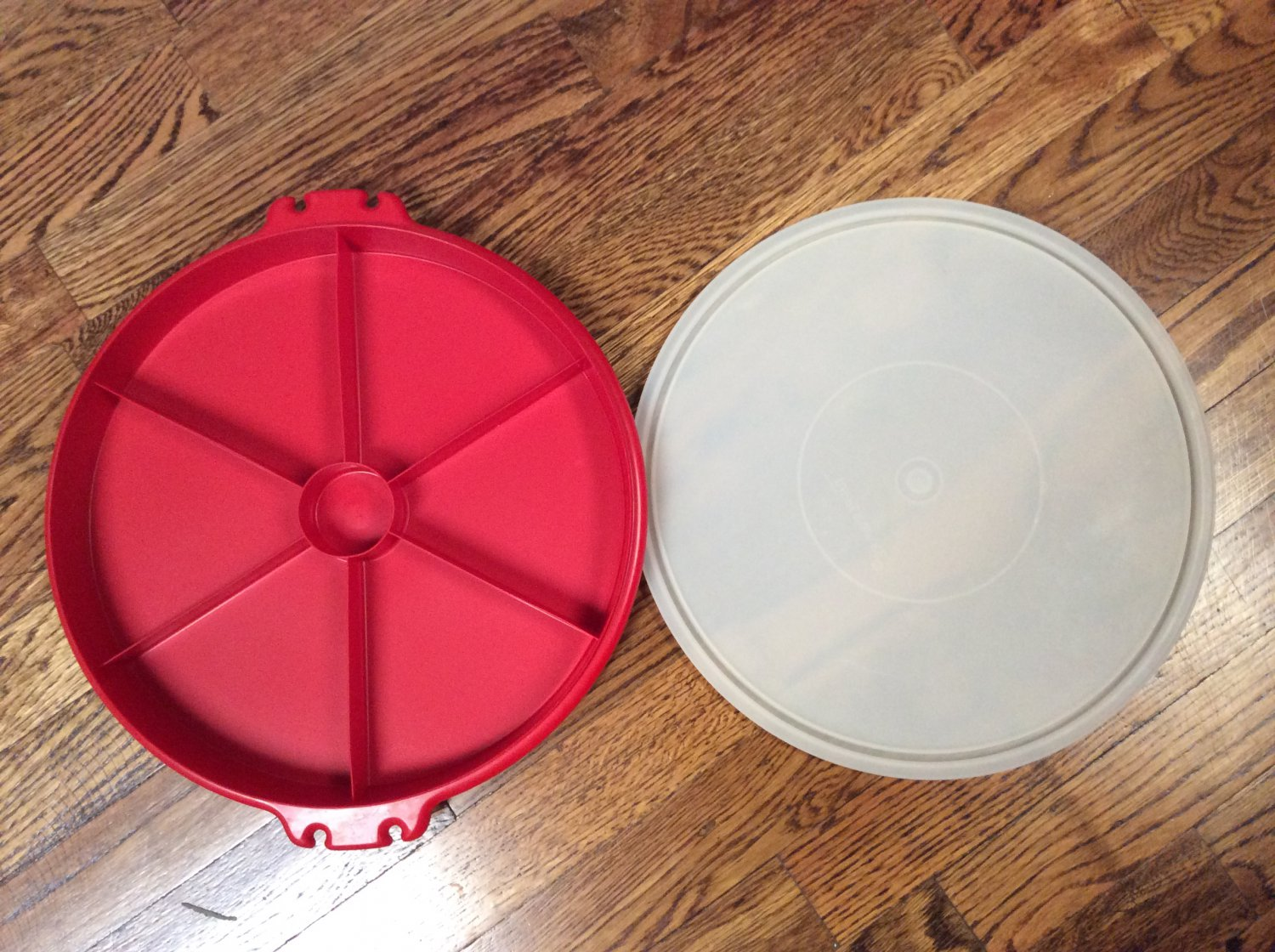 Vintage Tupperware Carrier Red Vegetable Tray with Lid 405-9