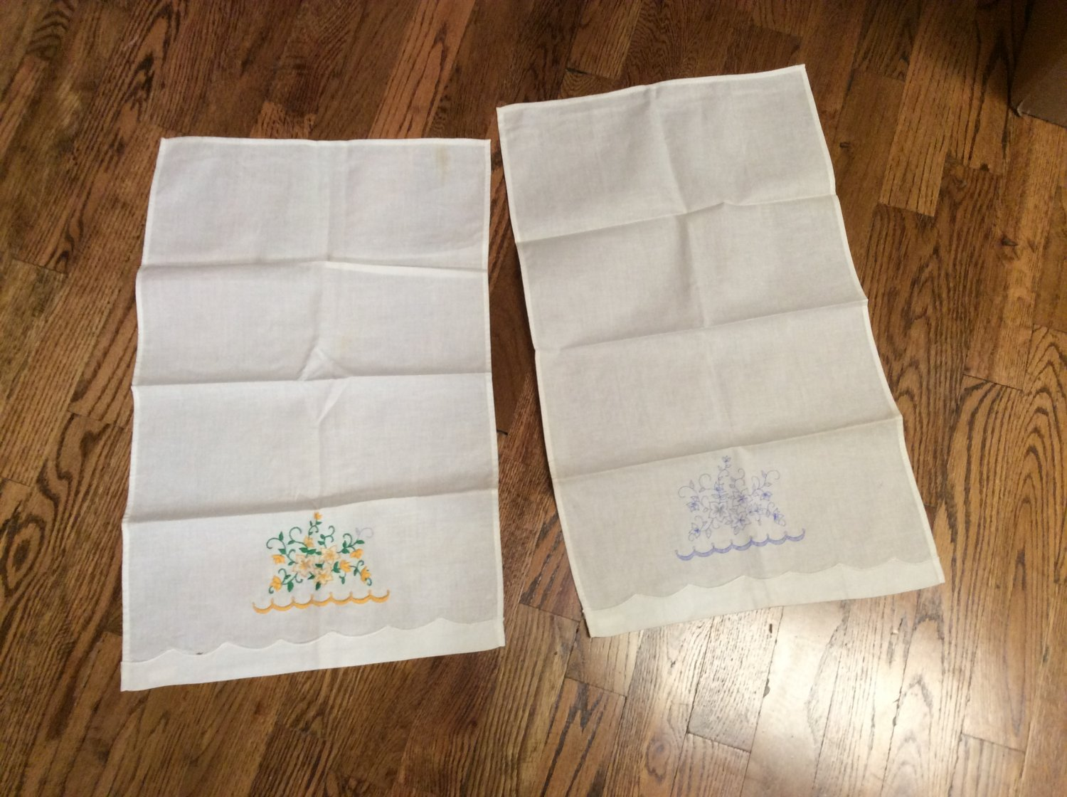 2 Pillow Case Sets 2 Place Mats Embroidery Started but Unfinished