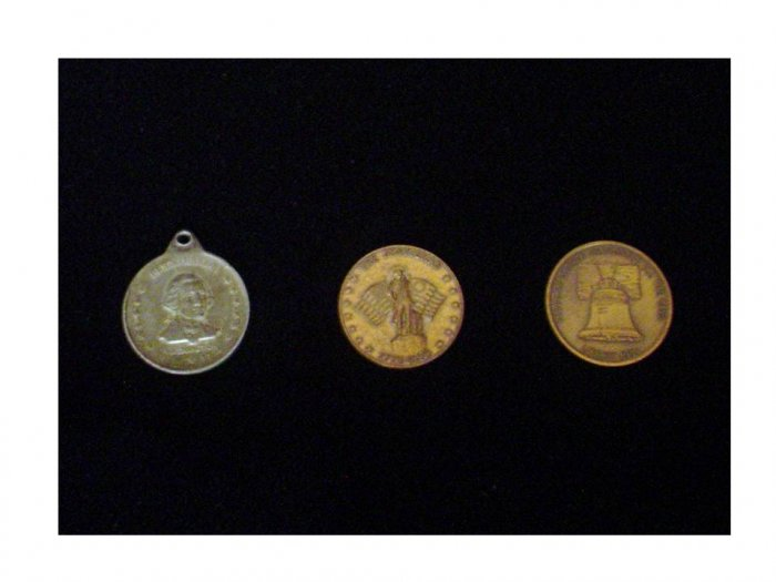 2 BiCentenntial Medal & 1 Liberty Bell (Oral Roberts) Medal