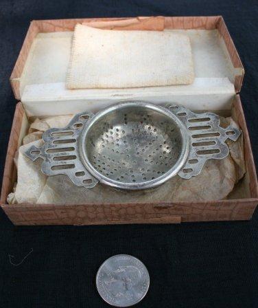Afternoon Tea/ Boxed Silverplated Tea Strainer - James Walker London