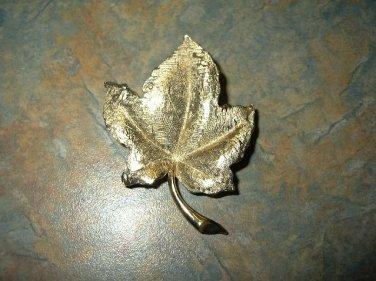 Vintage Charel Goldtone Leaf Pin/Brooch