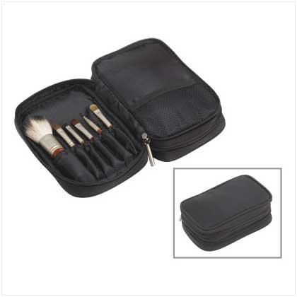 COSMETIC BAG/BRUSH SET
