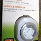 Staples 22150 Programmable 24 Hour Mechanical Outlet Timer, White - NEW in PKG
