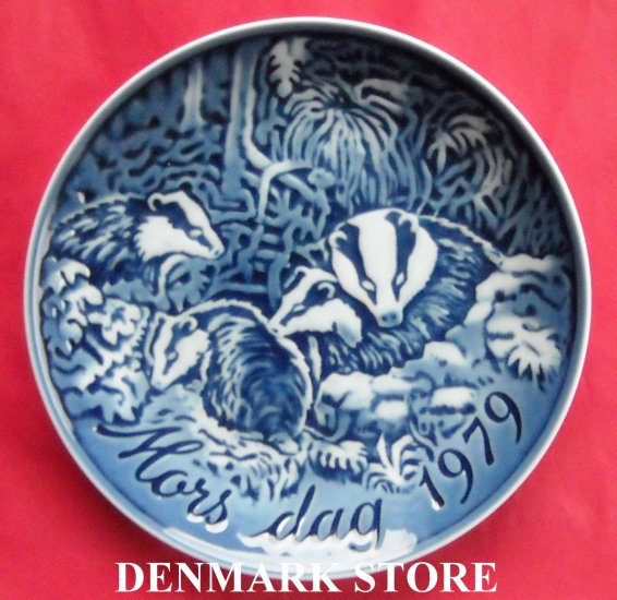 Danish Grande Danica Copenhagen mothers day plate THE BADGERS 1979