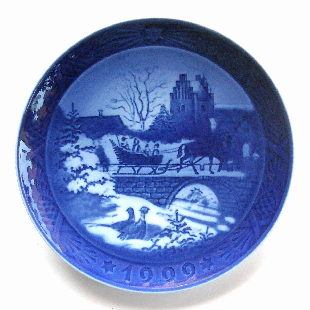Royal Copenhagen Denmark Christmas Plate 1999