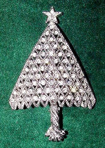 Sparkly Rhinestones Vintage Christmas Tree Brooch