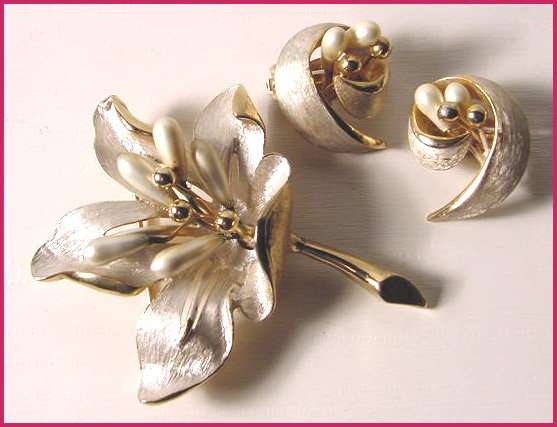Gorgeous Signed Kramer Floral Set with Pearls - Free USA Shipping