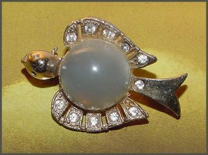 Frosted Lucite Bird Jelly Belly Brooch - Free USA Shipping