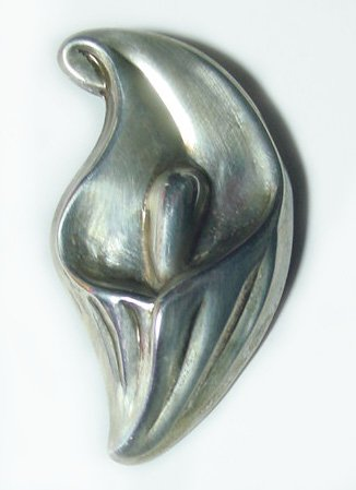 Luscious Vintage Sterling Silver Calla Lily Brooch