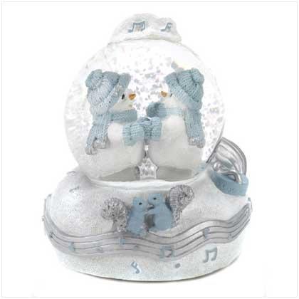 #12105 Snowbuddies Waltz Waterglobe