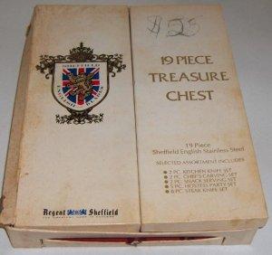 Vintage Regent Sheffield 19 Piece Treasure Chest - English Blades