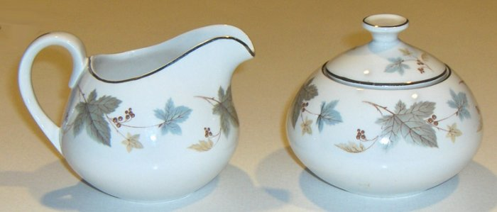 White Mist Ridgway Vinewood Sugar Bowl with Lid and Creamer - England