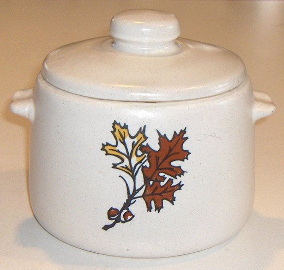 Vintage West Bend Bean Pot / Chili Pot - Oak Leaves