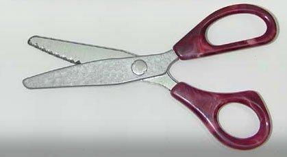Vintage Pinking Shears w/ Marbled Plastic Handles - Elk