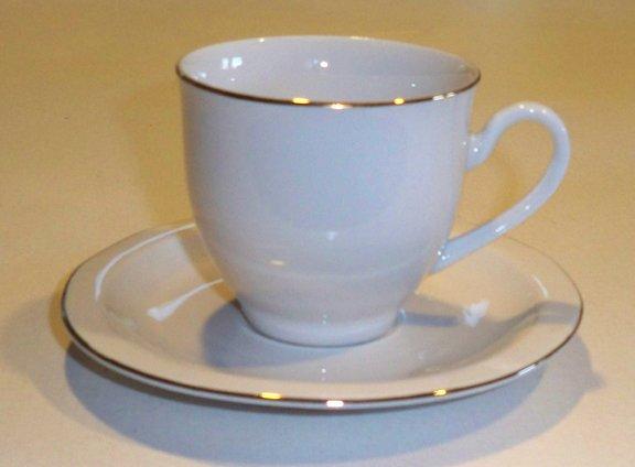 Crofton China Radiance Porcelain Gold Trim Cup & Saucer - Set of 4