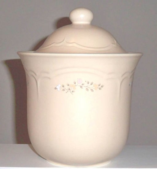 Pfaltzgraff Remembrance Large Canister with Lid