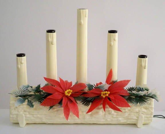 Vintage Plastic Poinsettia / Yule log 5 Light Candolier
