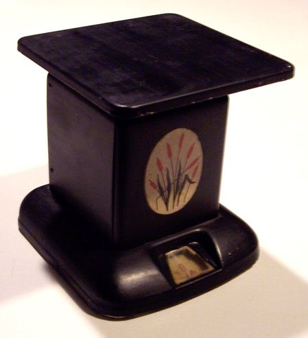 Vintage Maid of Honor Cattails Kitchen Scale circa 1940s