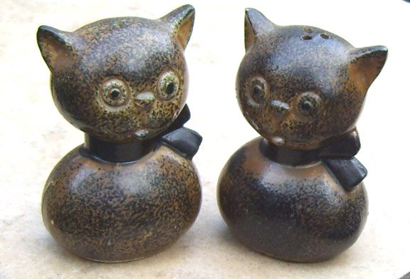 Vintage Howard Holt Cat Salt and Pepper Shakers MIJ