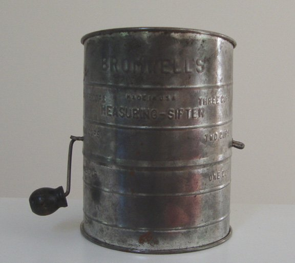 Vintage Flour Sifter - Bromwell's Measuring Sifter