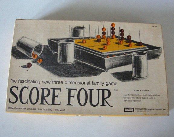Vintage 1978 Lakeside Score Four #8325 Game