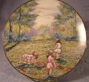 """Vintage 1977 Limited Ed. Calhoun Collector Plate Dominic Mingolla's """"Picking Flowers"""""""