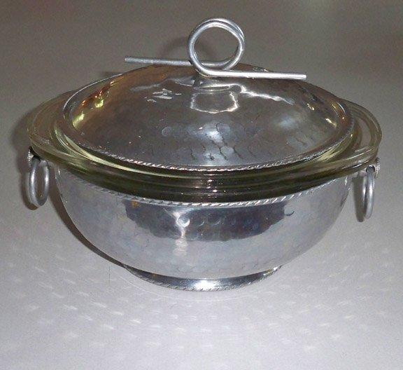 vintage hammered aluminum casserole serving dish with lid. Black Bedroom Furniture Sets. Home Design Ideas